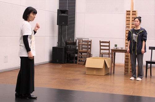 写真左から:高嶋柚衣(第11期修了)、今井仁美
