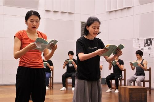 写真左から:松内慶乃、ユーリック永扇