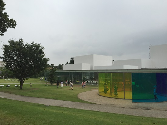 金沢といえばココ、21世紀美術館へ。