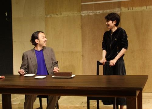 【写真(左から敬称略):石橋徹郎、占部房子】
