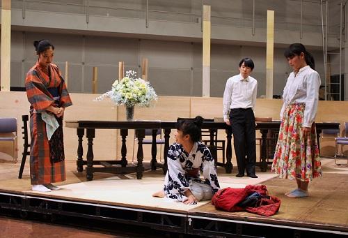 【写真(左から):加茂智里、八幡みゆき、永澤洋加、竹内香織】