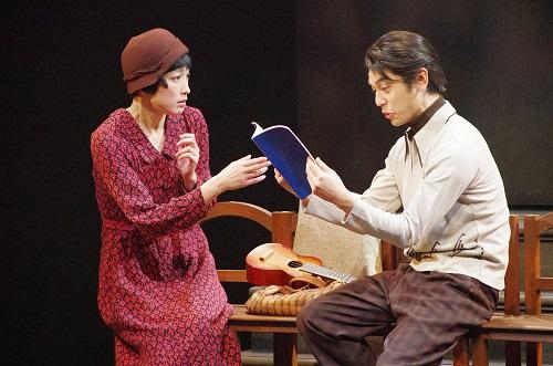 【写真左から(敬称略):緒川たまき、妻夫木聡 撮影:御堂義乘】