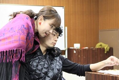 写真左から:日沼さくら、野口俊丞(タイトル・ロールのリリオム役)