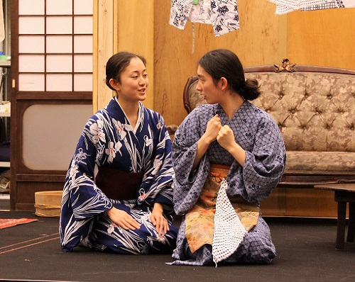 写真左から:田村彩絵、角田萌果