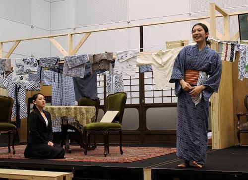 写真左から:塚瀬香名子、角田萌果