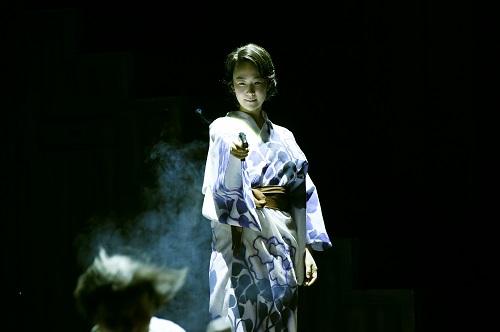 写真左から:黒木華 撮影:細野晋司