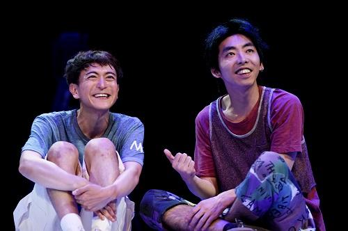 写真左から:篠山輝信、柄本時生 撮影:細野晋司