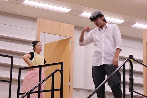 左から:田渕詩乃、生地遊人(同研修所公式facebookページより提供)