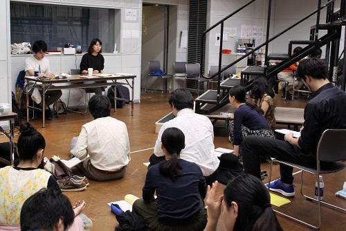 デスク左から:髙倉直人(10期修了生)、田中麻衣子