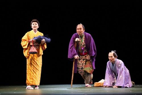 舞台写真左より、あめくみちこ、柳家喬太郎、江端英久 撮影:宮川舞子