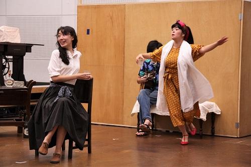 写真(左から敬称略):永井茉梨奈、下地萌音
