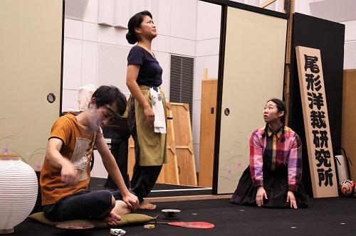 写真(左から敬称略):河合隆汰、伊澤日菜、伊澤日菜 ※タバコは害のないネオシーダーを使用しています。