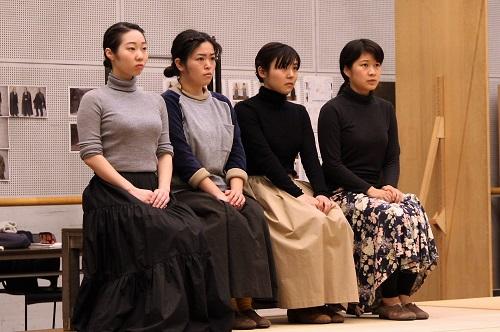 写真左から:川飛舞花、下地萌音、高嶋柚衣、伊澤日菜