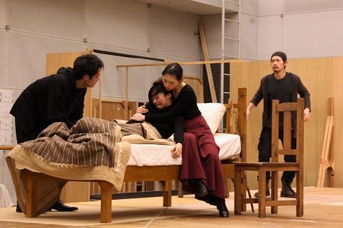 写真左から:石原嵩志、高嶋柚衣、林真菜美、今井聡