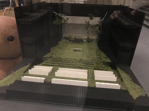 舞台美術の模型(美術:乘峯雅寛)