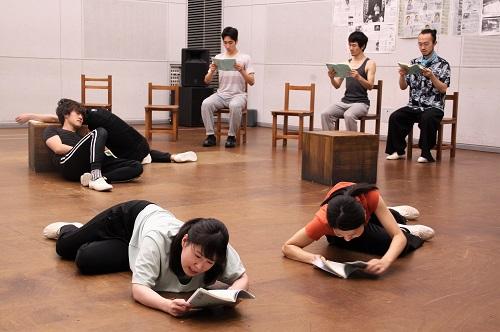 写真左前:松村こりさ