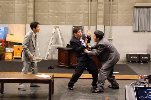 写真左から:古河耕史 椎名一浩 岸田研二
